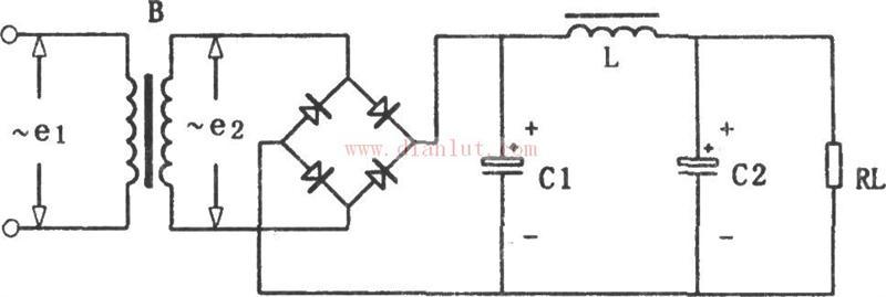 滤波电路的作用就是去除不需要的谐波,在直流电源中就是减小电流的脉动,是电流更平滑。常用的有电容滤波电路(C),电感滤波电路(L),电容电感滤波电路(LC),电容电感型滤波电路(LC型),这些都是常常用到电源电路中的。其他还有电子滤波电路等,常常用到复杂的精度高的脉冲电路中。 来源: